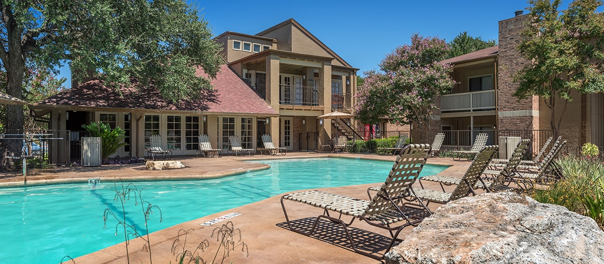 Apartments for rent northwest austin balcones woods maa for Furnished 1 bedroom apartments austin tx